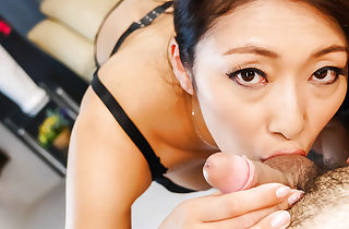 Huge-titted Reiko Kobayakawa cheeky episodes oif vitiated porn